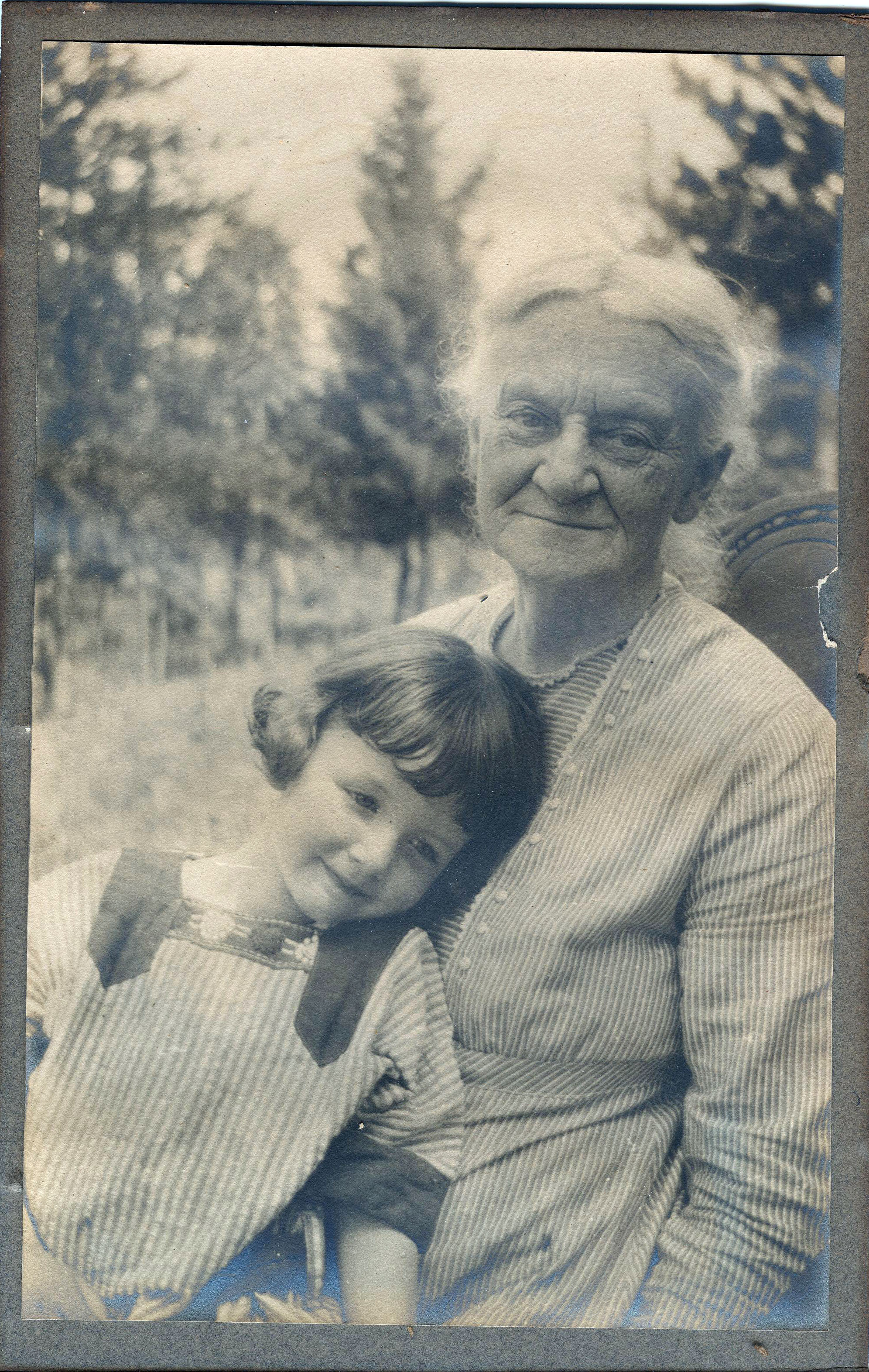 Eloise Ball and grandmother, Frances Cotton Steinke